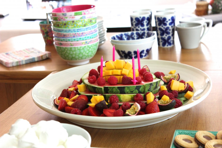 glassparty och frukttårta