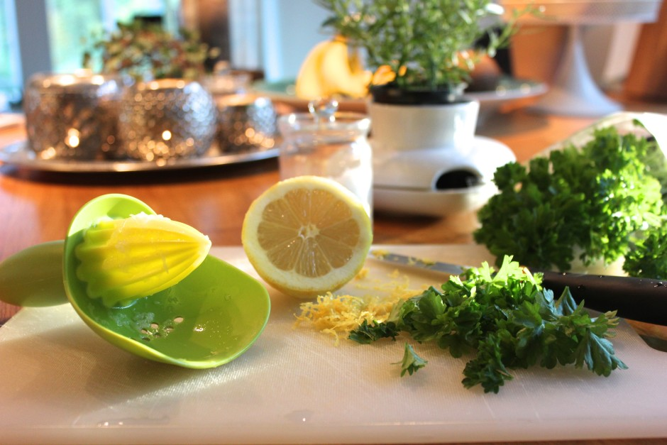 krämig citron och persilja potatis med lax