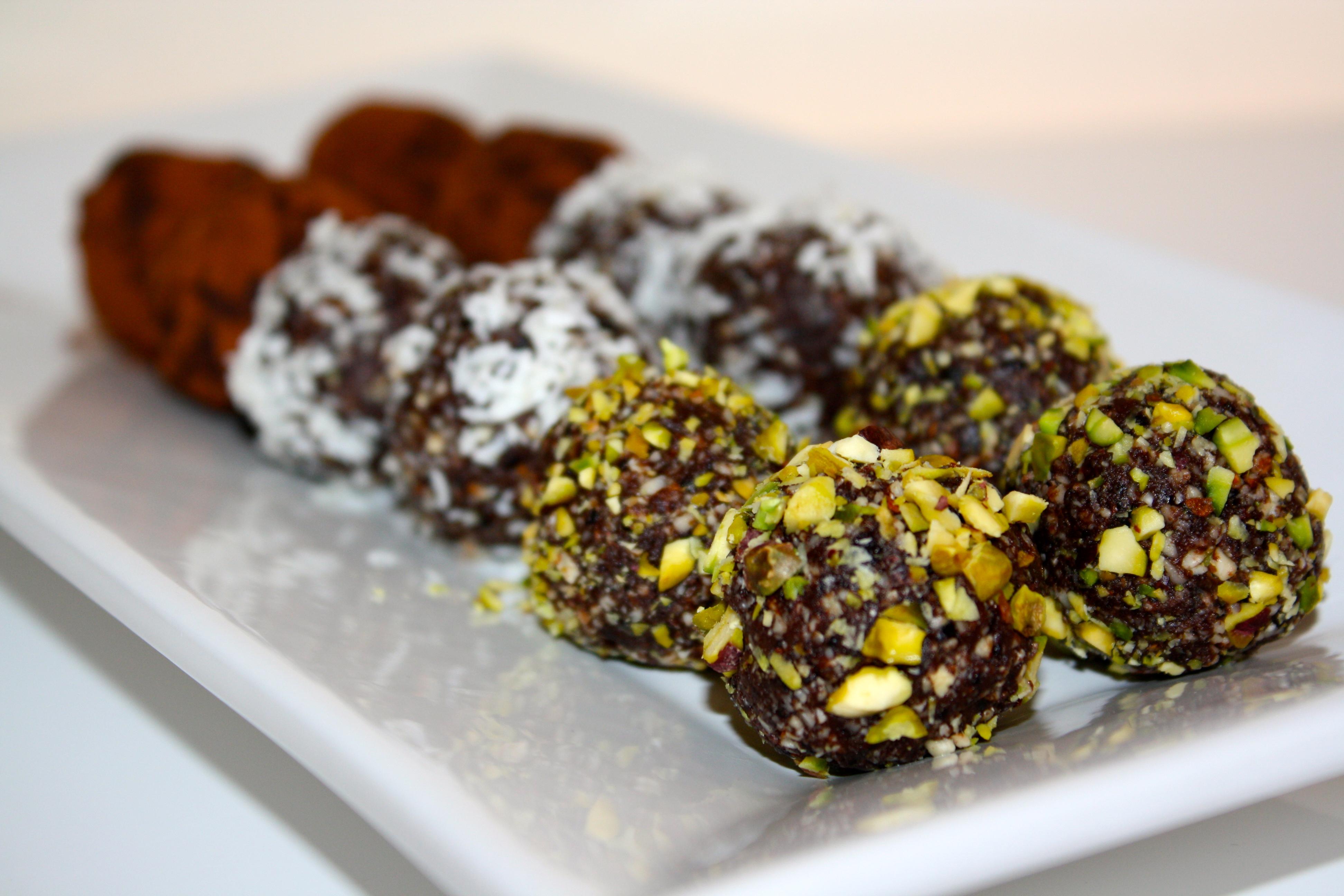nyttiga chokladbollar dadlar nötter