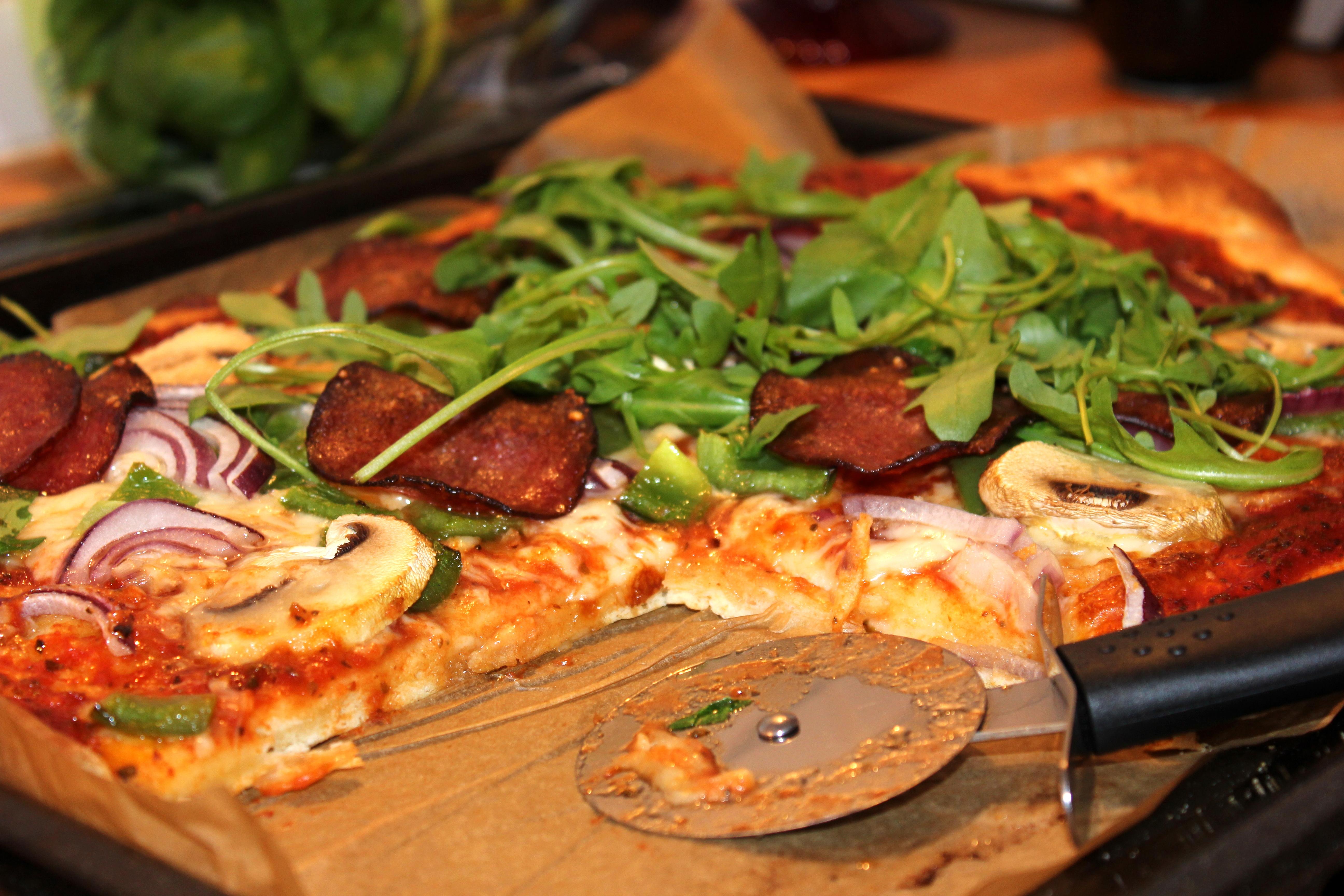 hemmagjord pizza utan jäst