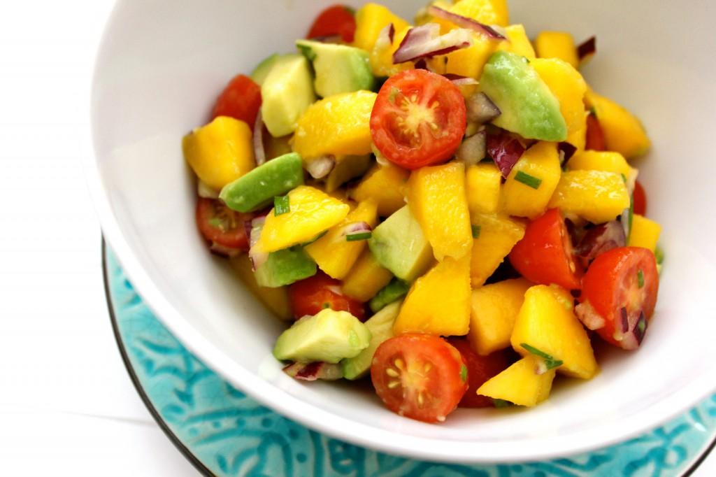 mango och avocadosalsa