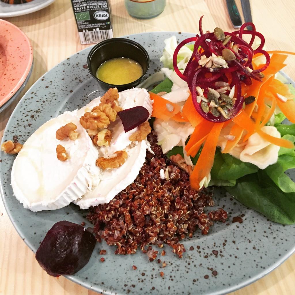 chévresallad med quinoa