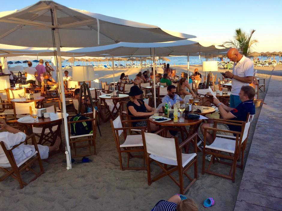 middag vid strandpromenaden