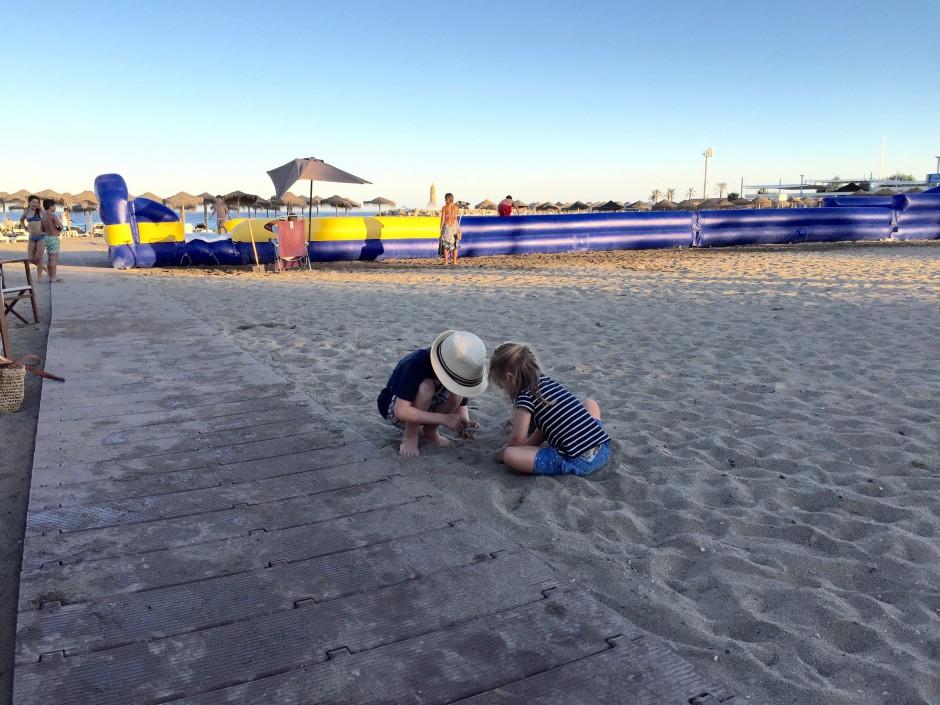 strandpromenaden puerto banus