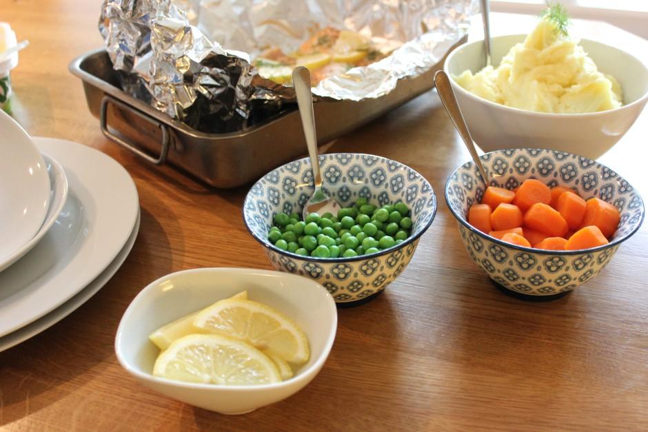 Lax i ugn med citron och dill och potatismos