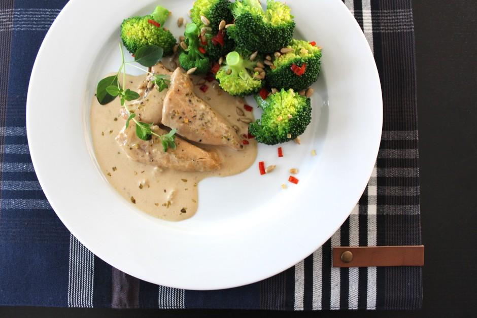 kyckling i balsamicosås med vitlök och chilifräst broccoli LCHF