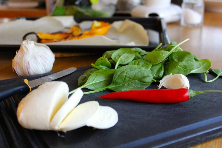rostad paprika med vitlök och chilifräst spenat