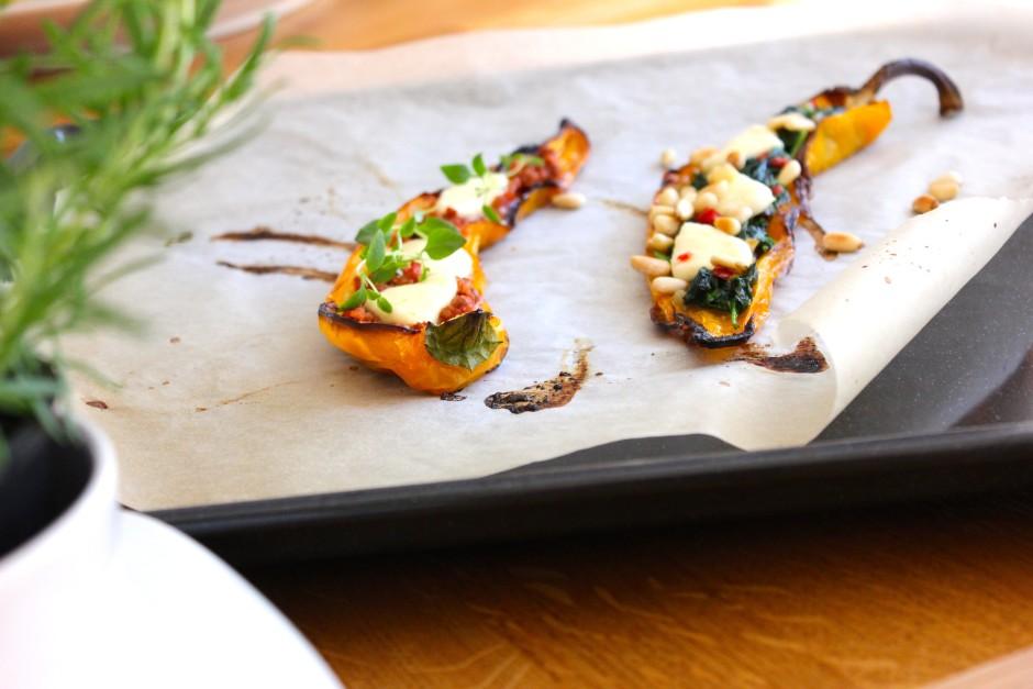 rostade paprikor med vitlök och chilifräst spenat