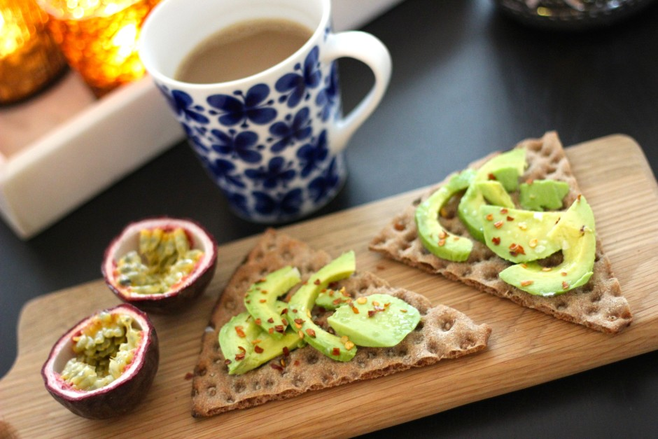 Knäcke med avocado