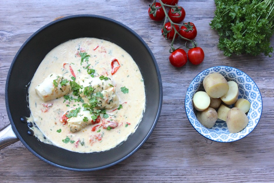 torsk i sås med dijonsenap, tomat och örter