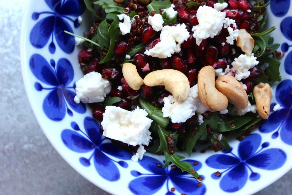 quinoasallad med fetaost & cashewnötter