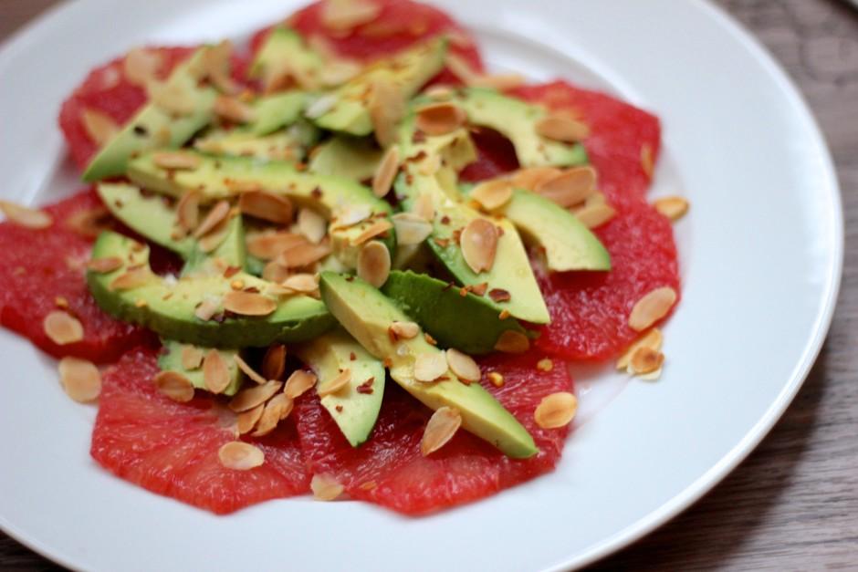Avokado ochbgrapefruktsallad med rostad mandel