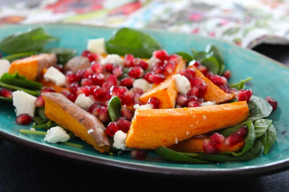 Rostad sötpotatis med granatäpple och chèvre