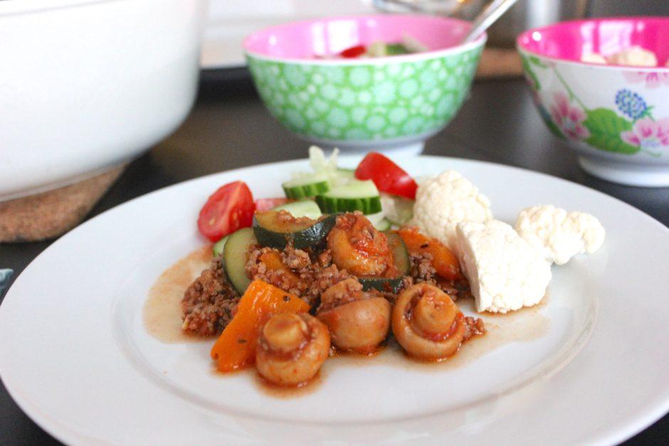 Snabb köttfärsgryta med grönsaker
