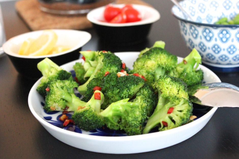 vitlök och chilifräst broccoli, lchf